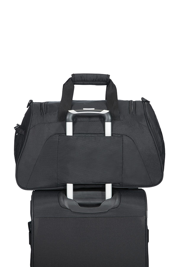 American Tourister Road Quest Duffle Bag Solid Black Rolling Luggage