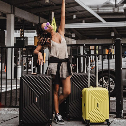 What to consider when buying luggage online | Rolling Luggage